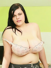 chubby chick shows...