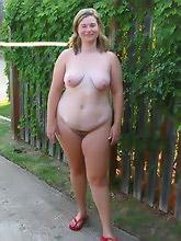 chunky mommas bare...
